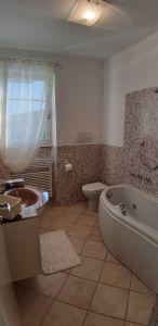 Villa Simpatica  : Bathroom with tube