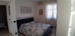 Villa Simpatica  : спальня с двуспальной кроватью