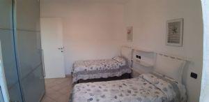 Villa Simpatica  : спальня с двумя кроватями