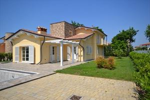Villa Ninfea Gialla : Outside view