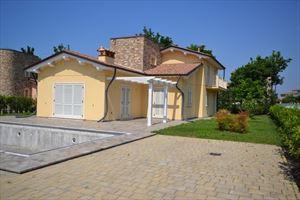 Villa Ninfea Gialla: Detached villa Pietrasanta