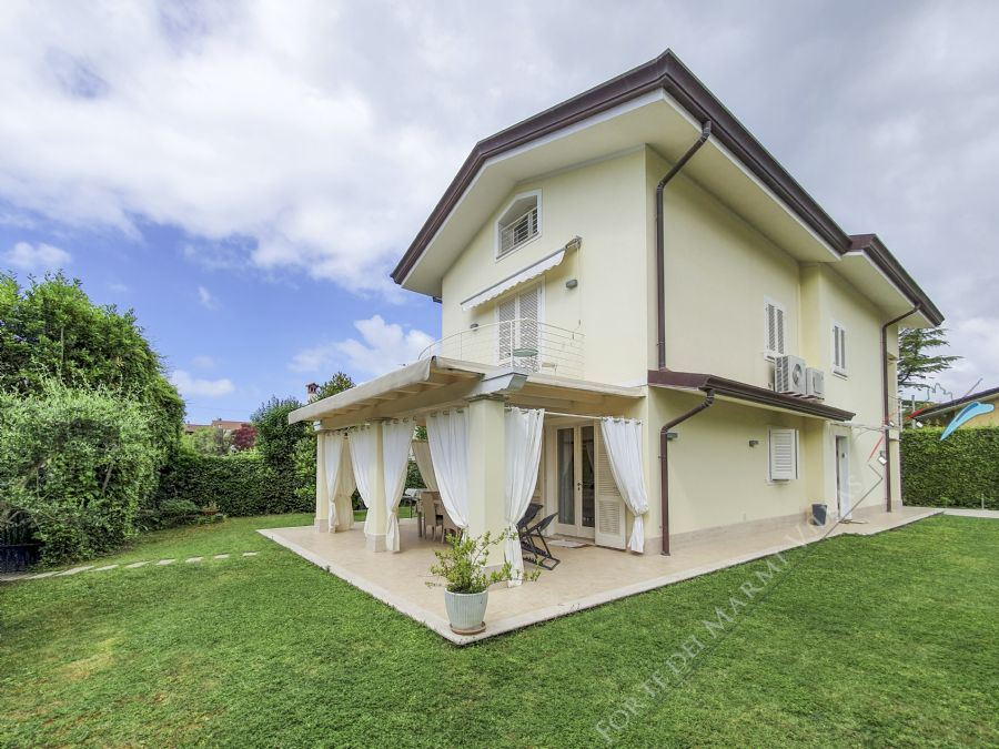 Villa Futura  - Detached villa To Rent Forte dei Marmi