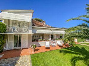 Villa Mareggiata  villa singola in affitto Forte dei Marmi
