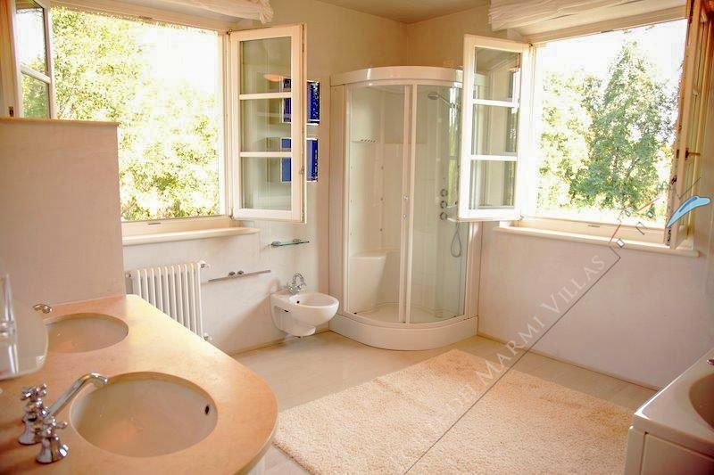 Villa Butterfly : Bagno con doccia