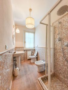 Villa Fiona : Bagno con doccia