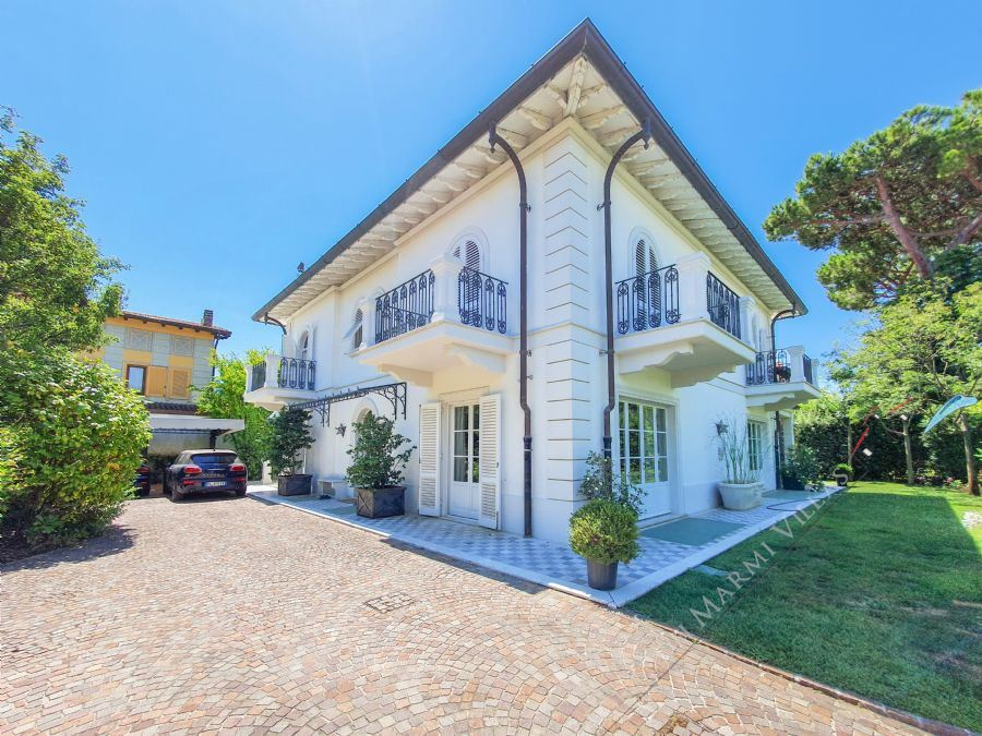 Villa Susanna - Detached villa To Rent Forte dei Marmi
