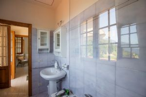 Villa Charme Toscana vista mare  : Bathroom with tube
