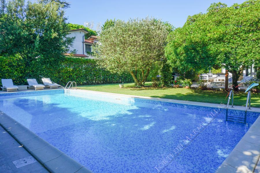 Villa Stone  - Detached villa to Rent and for Sale Forte dei Marmi