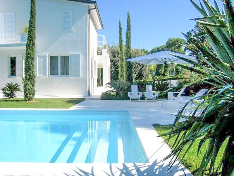 Villa Eden Detached villa  for sale  Forte dei Marmi