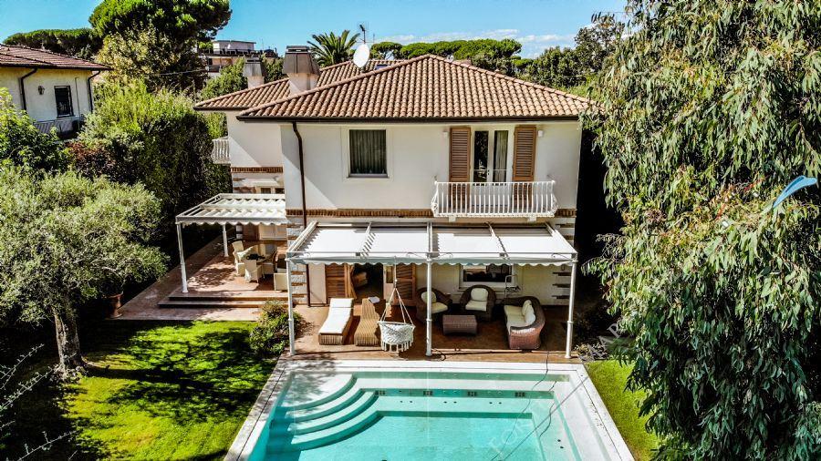 Villa Mirabella  villa singola in affitto Forte dei Marmi