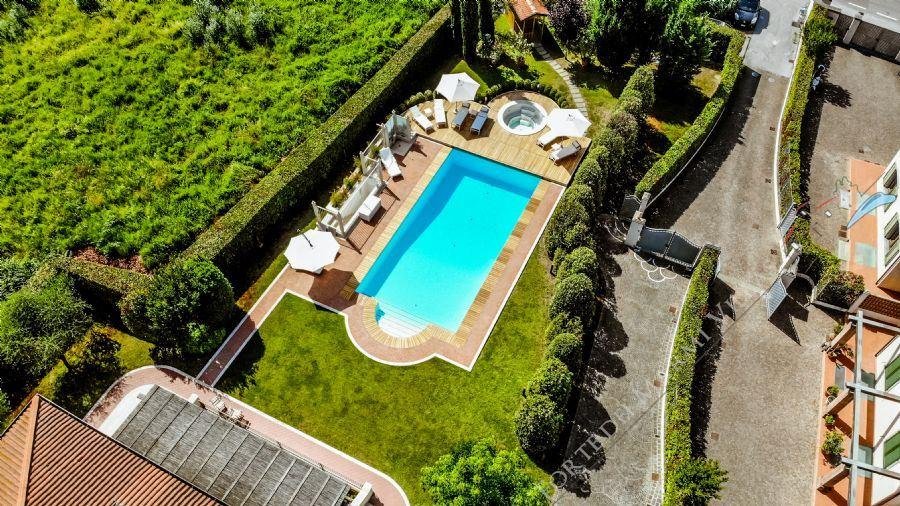 Villa Benigni  detached villa to rent and for sale Forte dei Marmi