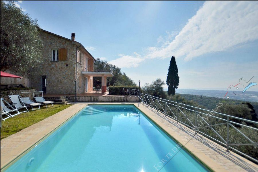 Villa  Ocean View  Detached villa  to rent  Pietrasanta