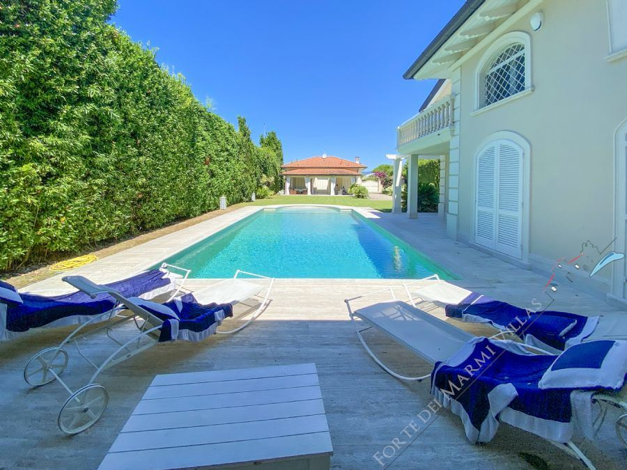 Villa  Costes detached villa to rent and for sale Forte dei Marmi