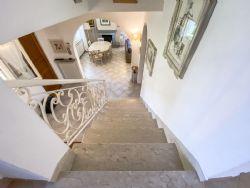 Villa Fiorita : мраморная лестница