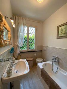 Villa Sting  : Bagno con vasca