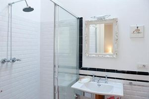Villa Belfiore  : Bathroom with shower