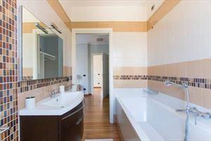 Villa dei Sogni : Bagno con vasca