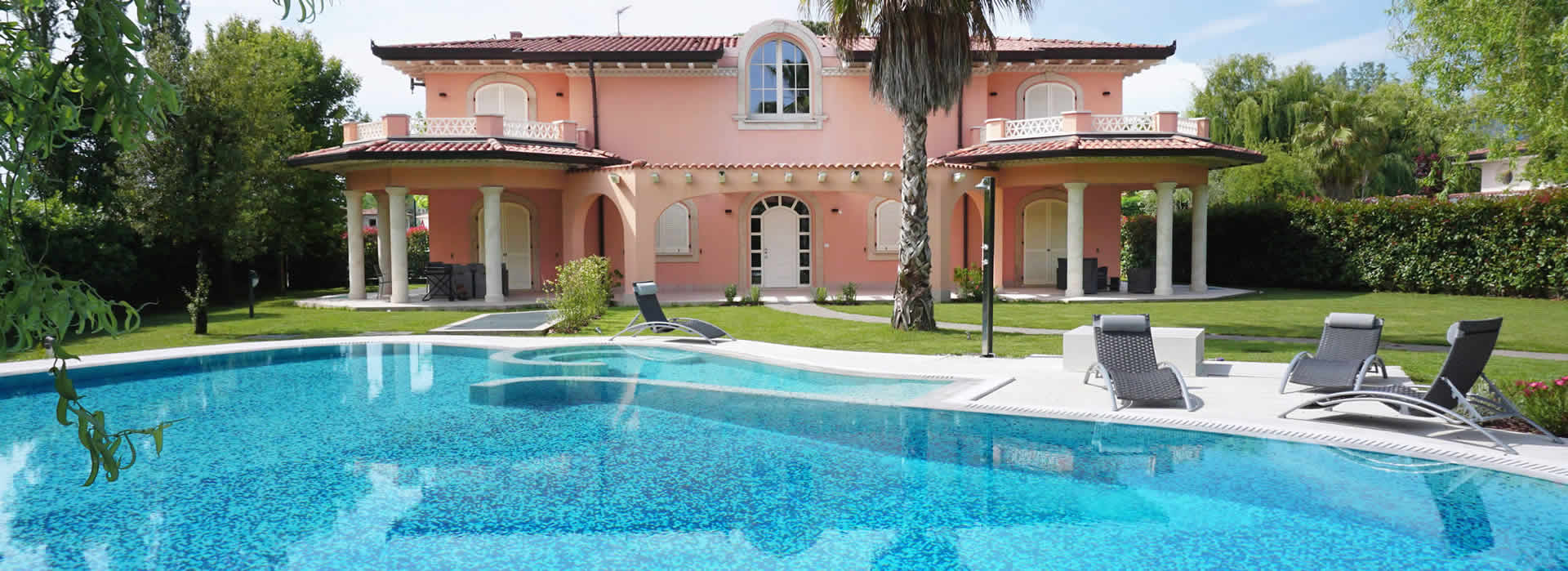 Villa Mozart  Detached villa  to rent  Forte dei Marmi