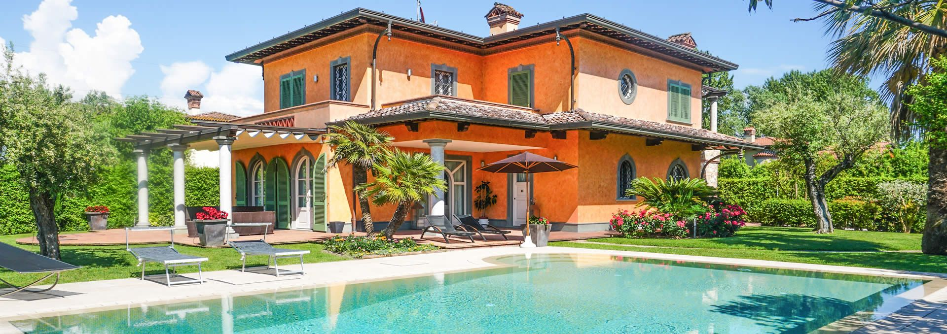 Villa delle Rose Detached villa  to rent  Forte dei Marmi