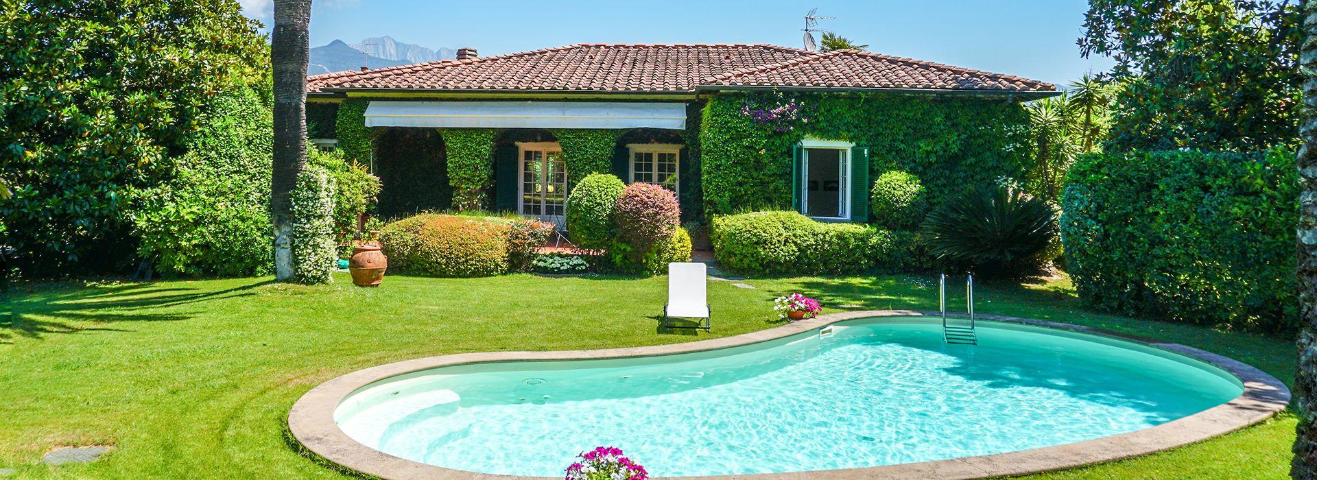 Villa Meraviglia Villa singola  in affitto  Forte dei Marmi