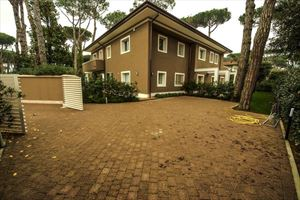 Villa New Roma Imperiale