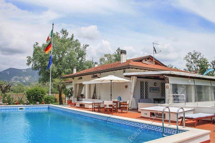 Villa del Duca villa singola affitto e vendita Forte dei Marmi