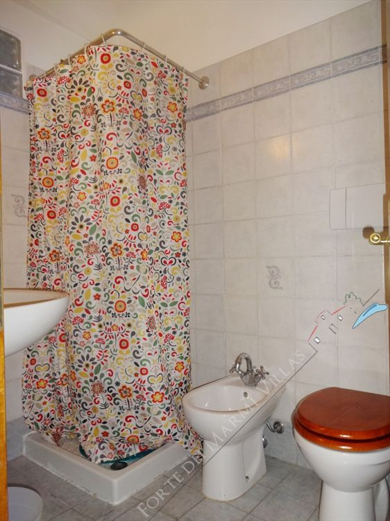 Appartamento Donatella  : Bathroom with shower