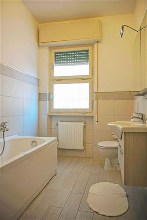 appartamento Vale 2 vista mare  : Bathroom with tube