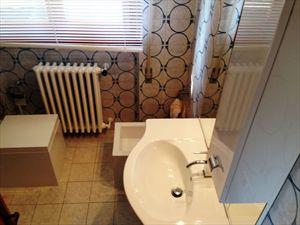 Appartamento Corallina : Bagno con doccia