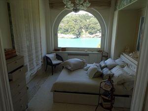 Appartamento Fiascherino : спальня с двуспальной кроватью