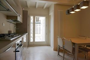 Appartamento Fiorenza : Кухня