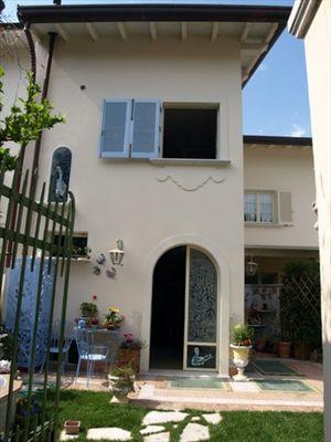 Villa Artista: Terraced villa Forte dei Marmi