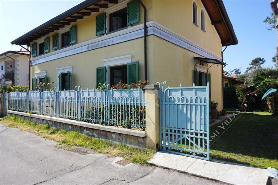 Villa Primula : Outside view