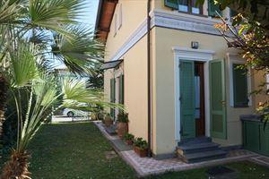 Villa Primula: Villa bifamiliare Marina di Pietrasanta