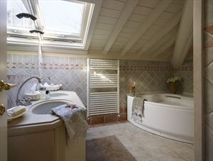 Villa  Costes con dependance  : Ванная комната с душем