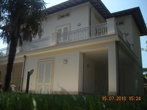Villa Decor  : Outside view