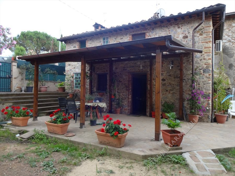 Villa Max  Semi detached villa  to rent  Camaiore