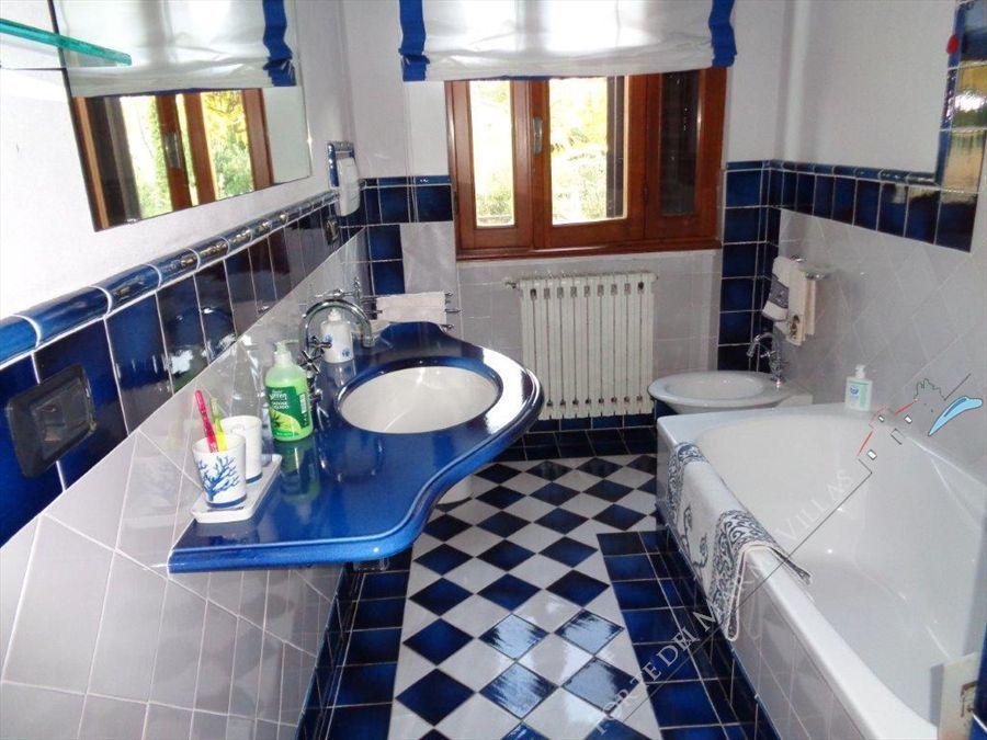 Villa  Pieraccioni  : Bagno con doccia