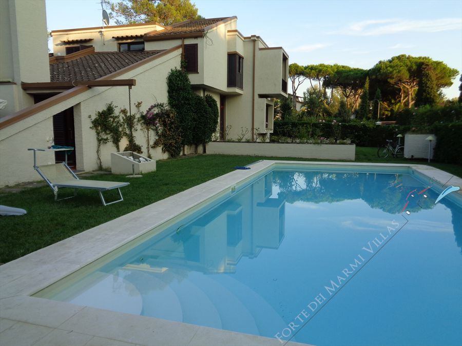 Villa  Pieraccioni  detached villa to rent and for sale Forte dei Marmi