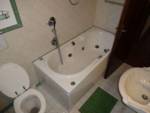Appartamento Forte dei Marmi  : Bagno con vasca
