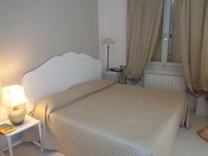 Villa  il Sogno  del mare                                : спальня с двуспальной кроватью