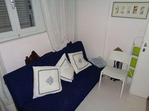 Villa  il Sogno  del mare                                : спальня с односпальной кроватью