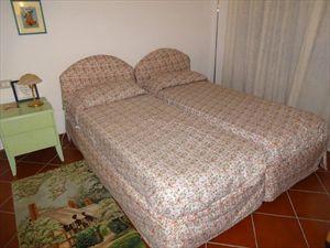 Villa Giancarlo : спальня с двумя кроватями