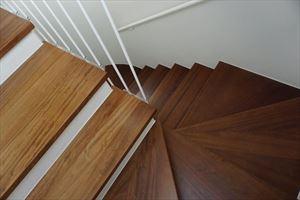Villa Levante : Scale di legno