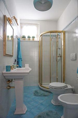 Villa Levante : Bagno con doccia