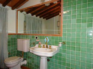 Appartamenti centro storico Forte dei Marmi  : Ванная комната