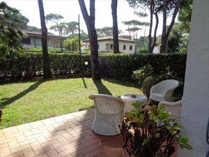 Villa  Mirafiori  : Outside view