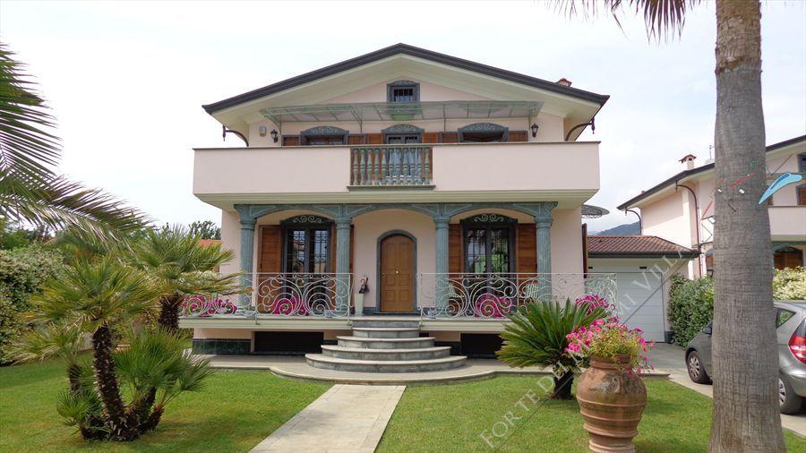 Villa dei Peschi  : Vista esterna