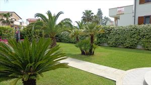 Villa dei Peschi  : Вид снаружи