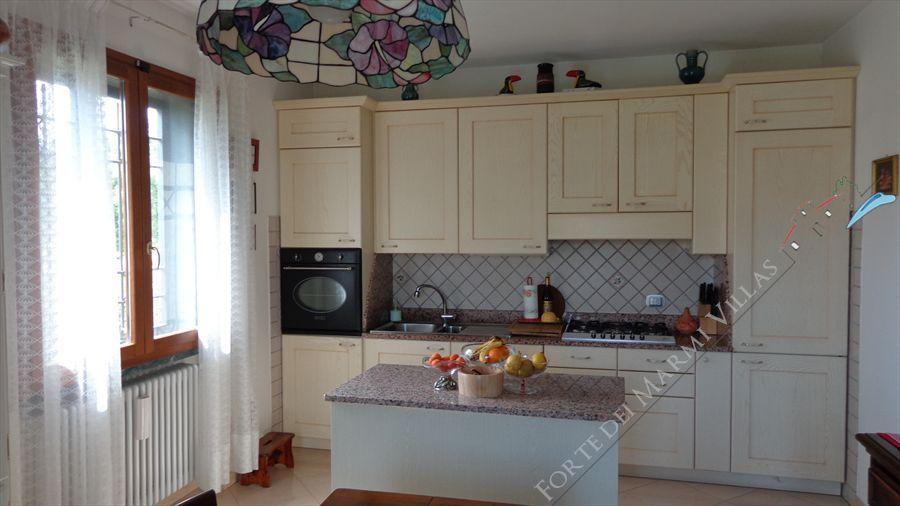 Villa dei Peschi  : Kitchen